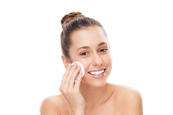 Doğal makyaj temizleyicisi olarak kullanılan ürünler